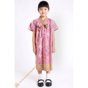 http://batikmegamakmur.com/1104-3300-thickbox/dres-anak-model-pita-1-dada-motif-bunga-warna-pink.jpg